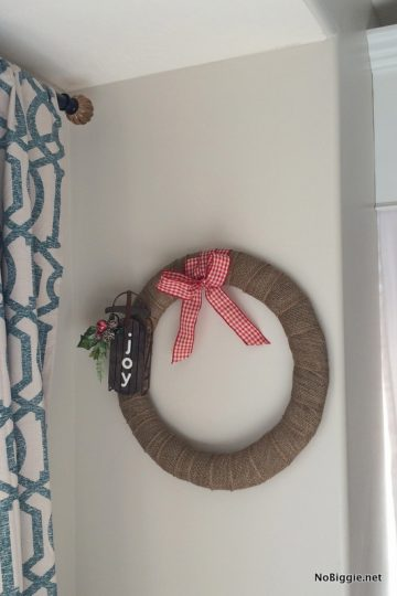 Easy Burlap Christmas Wreath