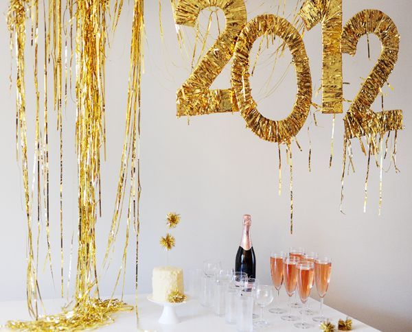 New Years Eve Tinsel Party | 25+ New Year's Eve Party Ideas