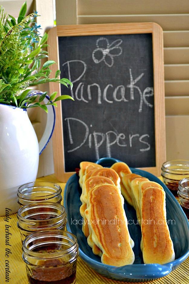 Pancake Dippers 25+ Fun Christmas Breakfast Ideas for Kids | NoBiggie.net