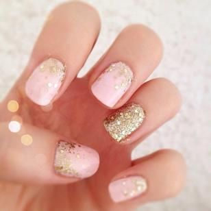 Pink and Gold Glitter Nail Art DIY | 25+ New Year's Eve Party Ideas
