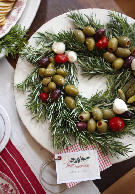 Rosemary Olive Wreath | Healthy Holiday Snacks and Appetizers | NoBiggie.net
