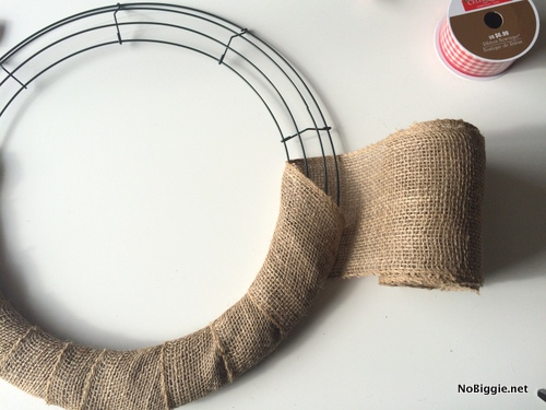 easy burlap wreath | NoBiggie.net