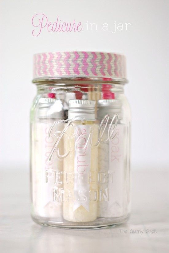 Pedicure in a Jar | 25+ Mason Jar Gift Ideas