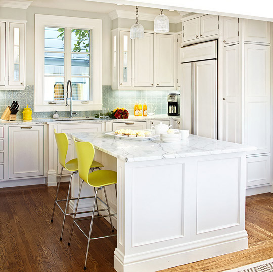 White Kitchen Cabinets Brown Tile Floor: 25+ Dreamy White Kitchens