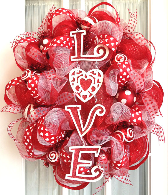 Oval deco mesh wreath valentine's day