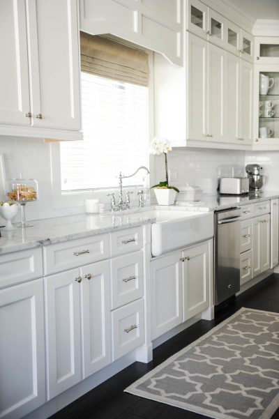 Style Me Pretty white kitchen | 25+ Dreamy White Kitchens