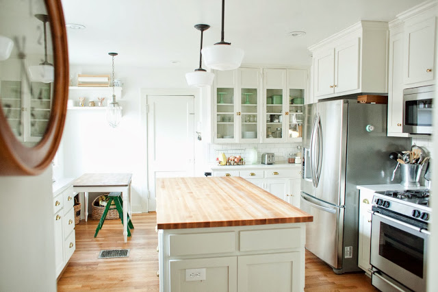 Before And After This Renovated Ranch Kitchen Beautifully Blends Rustic With Modern: 25+ Dreamy White Kitchens