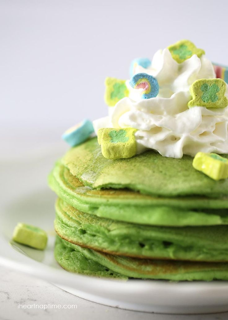 Green Pancakes | 25+ St. Patrick's Day ideas