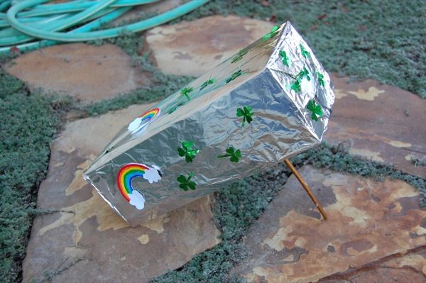 Leprechaun Trap | 25+ Rainbow crafts, food and more