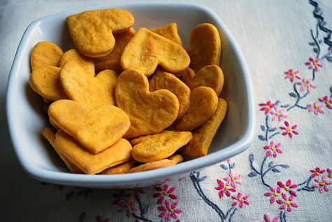 Sweet Potato Crackers 25+ Heart-Shaped Food Ideas | NoBiggie.net