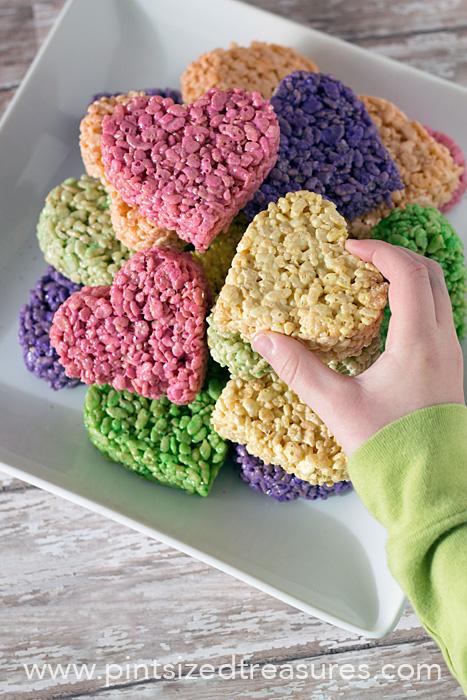 heart shaped food rice krispie treats | 25+ Heart shaped food ideas | NoBiggie.net
