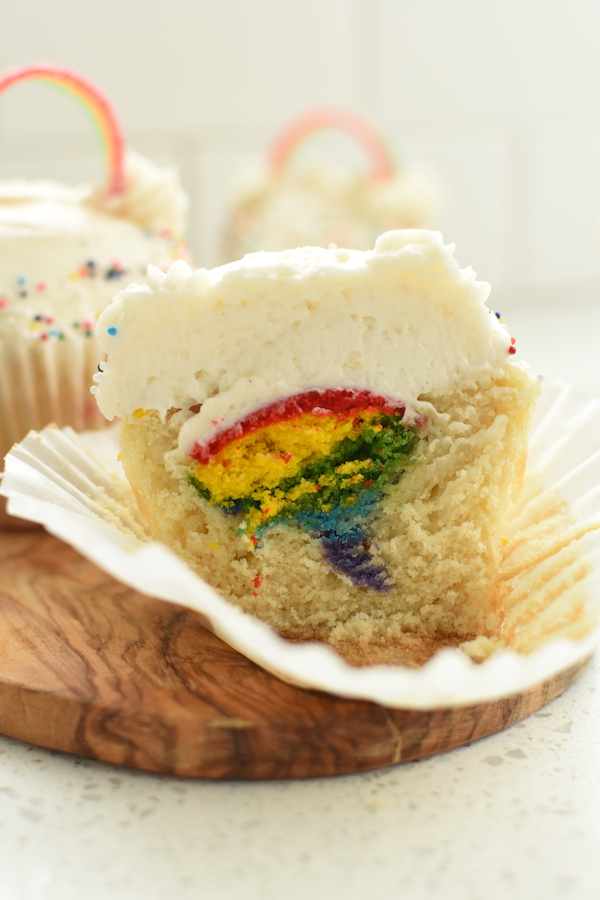 rainbow surprise cupcakes | NoBiggie.net
