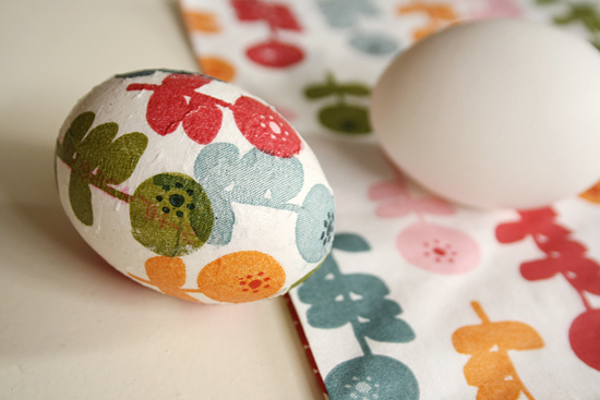 Decoupage Easter Eggs | 25+ ways to decorate Easter Eggs