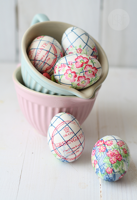 Easter Eggs (decorated with paper napkins) | 25+ ways to decorate Easter Eggs