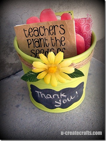 Gardening Gift {teacher appreciation} | 25+ teacher appreciation week ideas