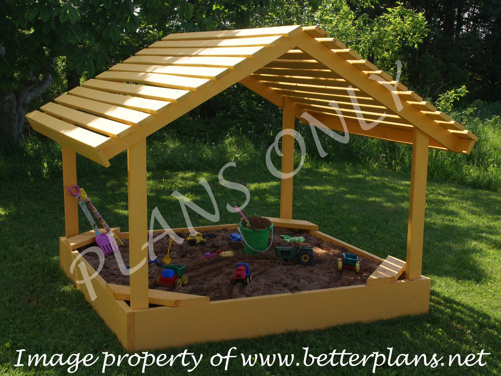 25 garden pallet projects for Building a wendy house from pallets