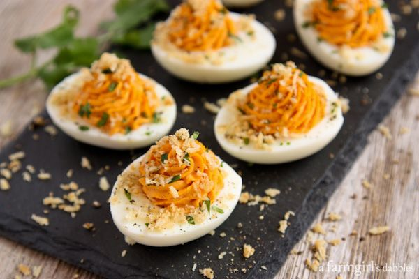 Sriracha Deviled Eggs with Garlic Toast Crumb Topping | 25+ Deviled Egg Recipes