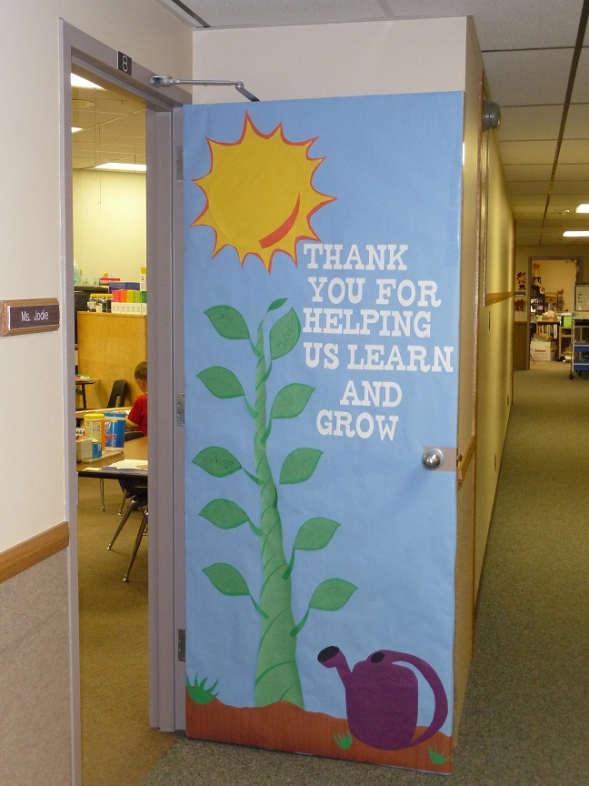 Teacher Appreciation Door decorating ideas | 25+ teacher appreciation week ideas