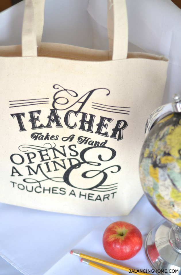 Teacher Appreciation Tote Gift Idea! | 25+ teacher appreciation week ideas