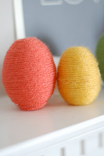 Yarn Easter Eggs   25+ ways to decorate Easter Eggs
