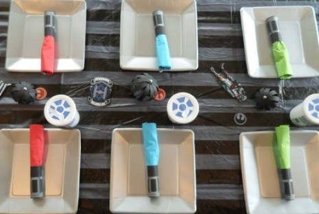 DIY Tutorial - How to Make Lightsaber Napkin Wraps for your Star Wars Party | 25+ ways to celebrate Star Wars Day