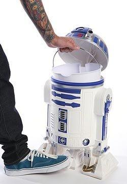 R2-D2 Trashcan | 25+ ways to celebrate Star Wars Day