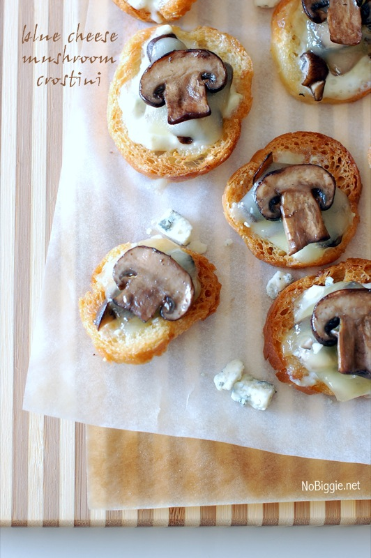 Blue cheese mushroom crostini | 25+ Cheesy Appetizers and Dips