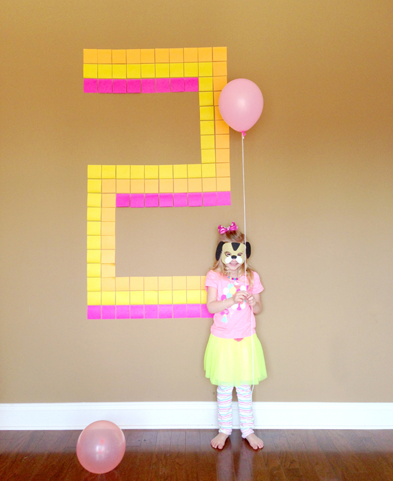 Giant post it note birthday number | 25+ post it note DIY ideas