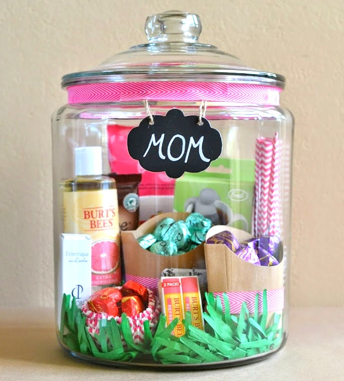 Mothers Day in a Jar | 25+ Mother's Day gift ideas