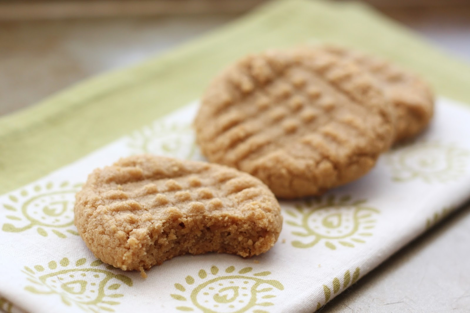 Old Fashioned 3 ingredient Peanut Butter Cookies | 25+ Three Ingredient Recipes