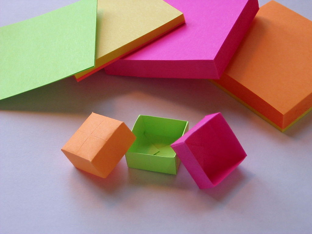 Origami Box | 25+ Post It Note DIY Ideas