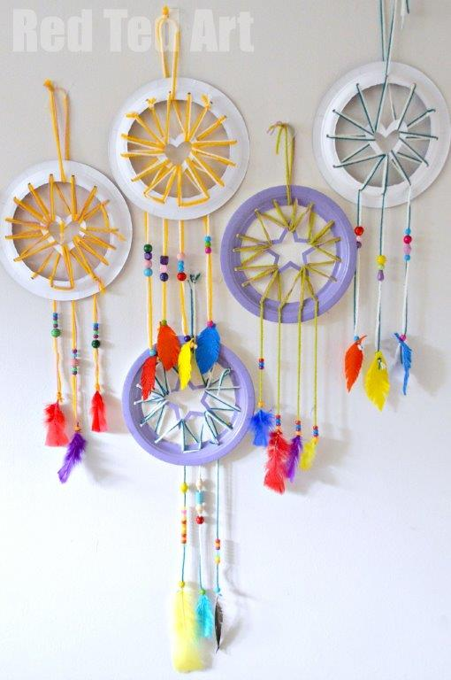 Paper Plate Crafts - Dream Catchers with Heart Star details | 25+ Paper Plate Crafts