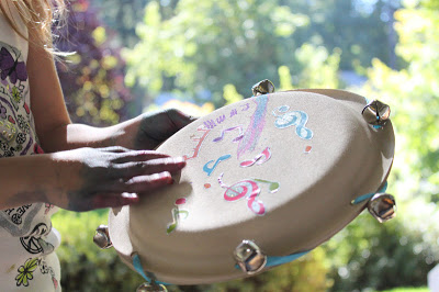 Paper plate tambourine | 25+ Paper Plate Crafts