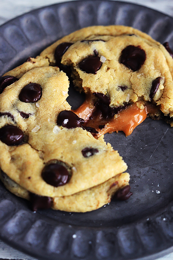 Salted Caramel Chocolate Chip Cookies | 25+ Salted Caramel Desserts