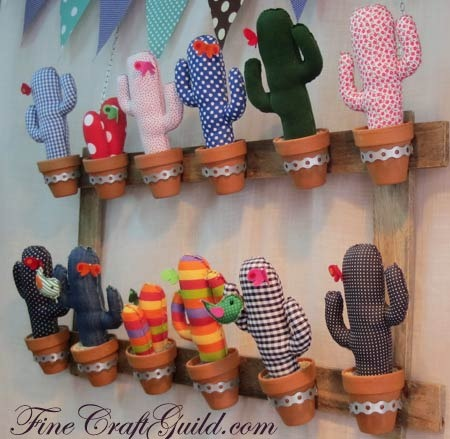 DIY Cactus Jewelry Holders | 25+ Cactus crafts and DIY