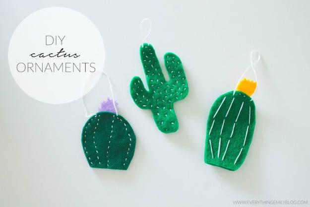 DIY Cactus Ornaments | 25+ Cactus crafts and DIY
