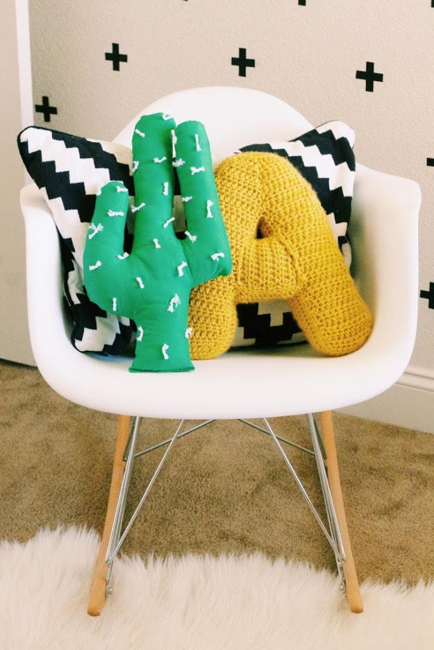 DIY Cactus Pillow | 25+ Cactus crafts and DIY