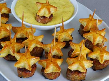 Star-shaped pigs in a blanket appetizers | 25+ 4th of July Party Ideas