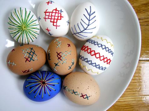 Cross Stitch Embroidered Eggs | 25+ Cross-Stitch Style Craft Ideas