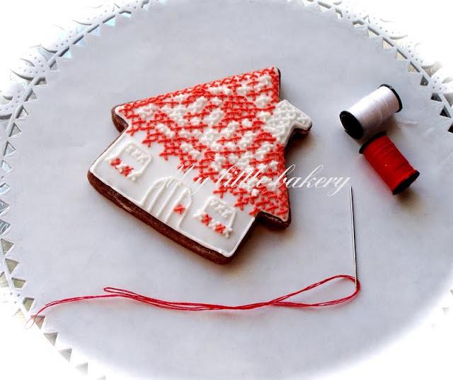Cross Stitch Embroidery Cookies | 25+ Cross-Stitch Style Craft Ideas