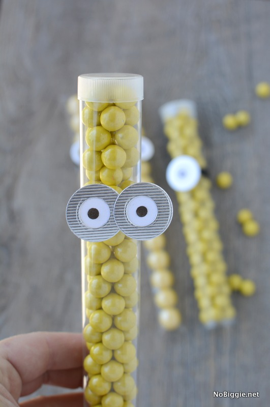 Minion Party candy tube | NoBiggie.net