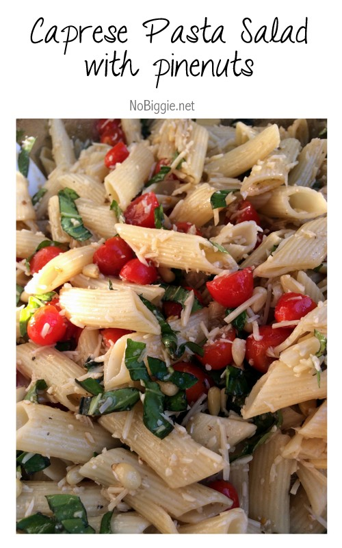 Caprese Pasta Salad with pinenuts | 25+ fresh tomato recipes