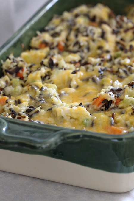 Cheesy Chicken and Wild Rice Casserole| 25+ freezer meal ideas