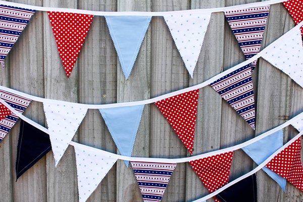 fabric bunting flags | 25+ easy sewing projects