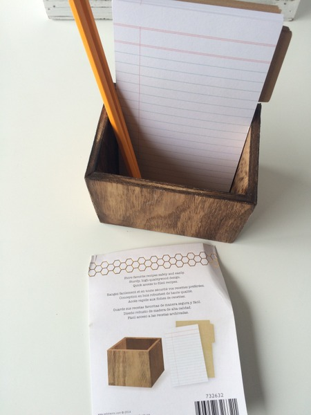 month at a glance calendar with recipe card holder | NoBiggie.net