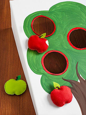 Apple-Toss Board - 25+apple projects and kids crafts - NoBiggie.net