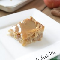 Caramel Apple Slab Pie bars - this recipe is amazing! Get it on NoBiggie.net
