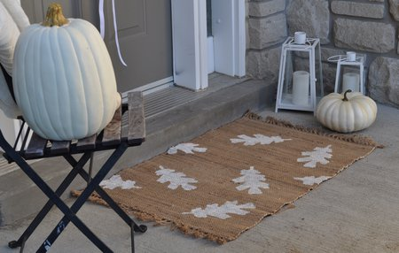 DIY Fall Doormat   25+ Thrifty Fall Decor Ideas