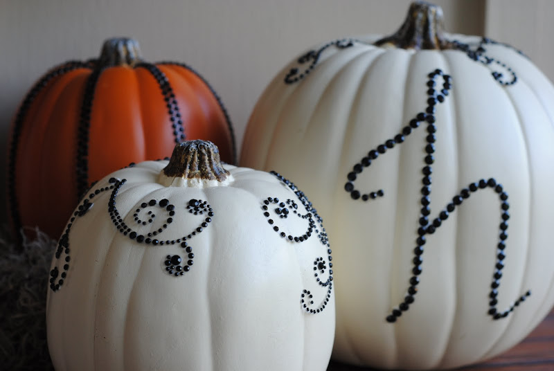 DIY halloween decor sequined pumpkins | 25+ no-carve pumpkin ideas