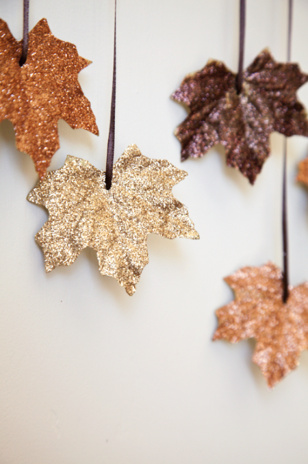 Falling Leaves Garland   25+ Thrifty Fall Decor Ideas